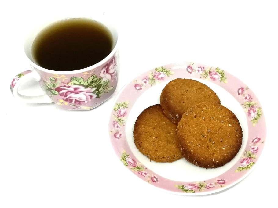 Biscuits au beurre de cacahuètes et graines de chia vegan