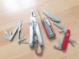 Multitool VS couteau suisse – avantages, inconvénients, conseils d'achat