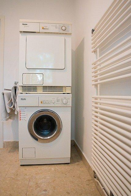 Radiateur électrique de type sèche-serviette