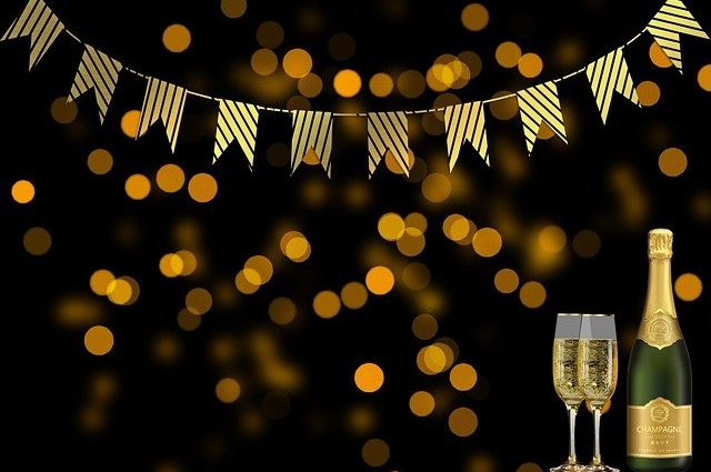 New Year Champagne Celebration  - flutie8211 / Pixabay