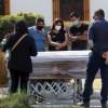 Entierro de una víctima de Covid 19 en Guadalajara