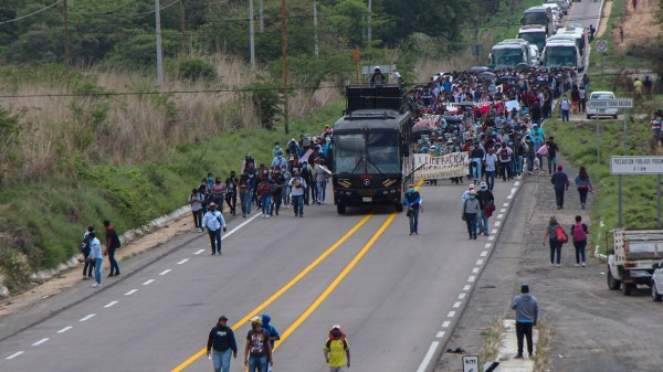 Foto de las protestas para liberar a las normalistas de Chiapas