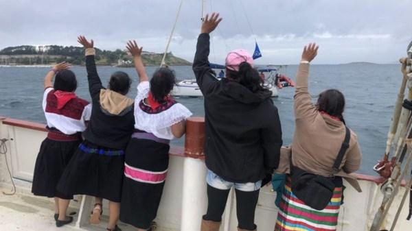 Foto del EZLN desde el barco llegando a Europa