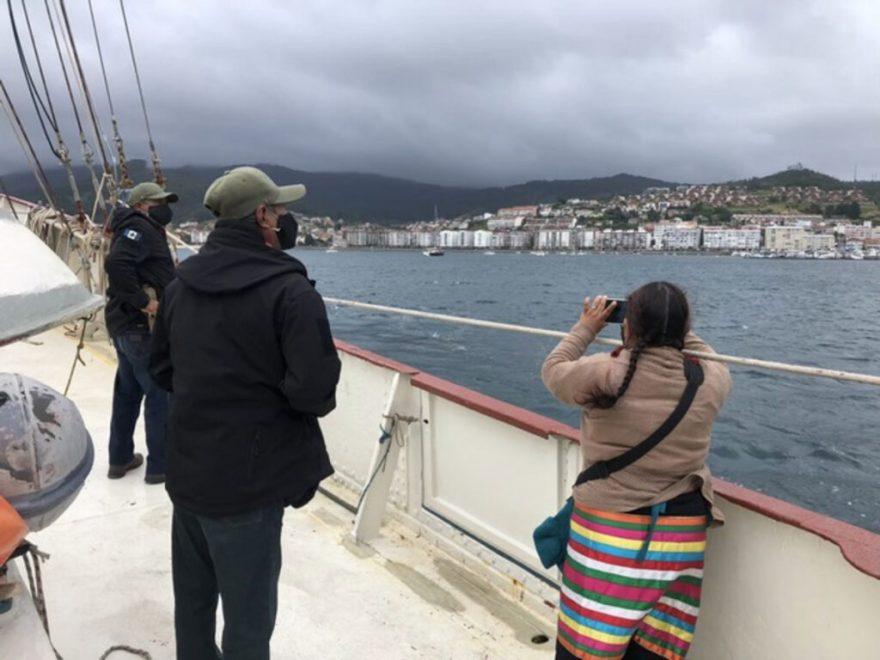 Foto de la delegación del EZLN llegando a Vigo, España
