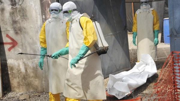 Trabajadores en medio de la pandemia del ébola