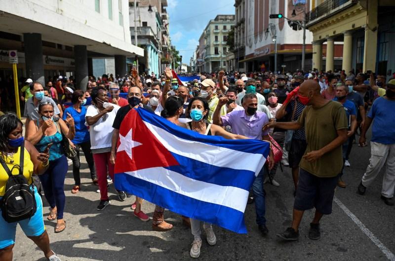 Decirle embargo al bloqueo en Cuba