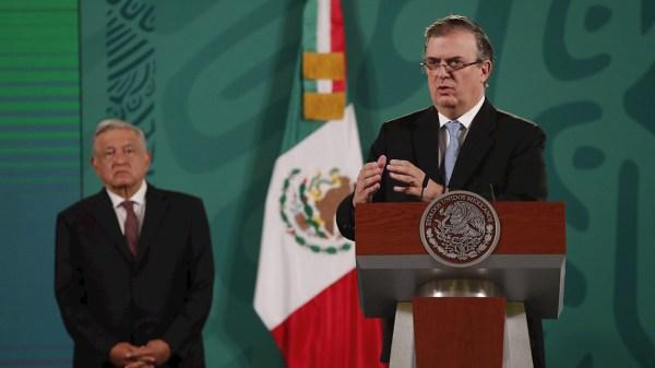 Foto de Marcelo Ebrard en la mañanera en la que habló de su candidatura