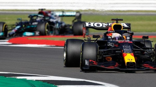 Max Verstappen deja el GP de Gran Bretaña