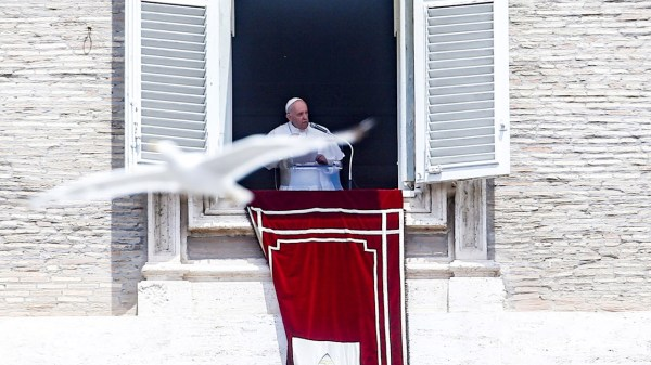 Foto del papa francisco quien fue hospitalizado hoy