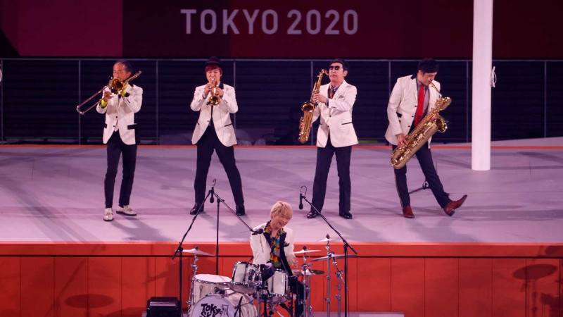 Tokio Ska Paradise Orchesta en la Clausura juegos olimpicos de Tokio 2020