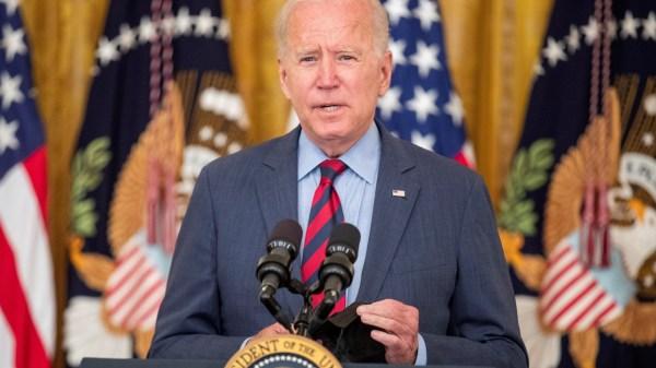 Biden renuncia Cuomo