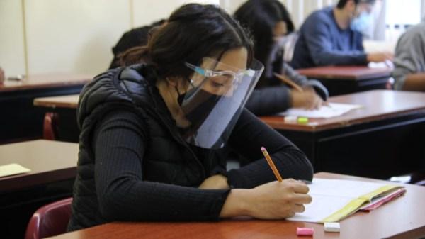 Foto de una estudiante para ilustrar nota del IPN regreso a clases 2021