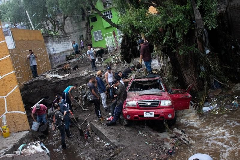 Las inundaciones en Ecatepec provocaron un deslave en la colonia Tierra Blanca