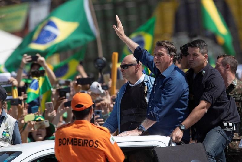 Bolsonaro muestra músculo en Brasil: 'Sólo dios me saca de allá', asegura