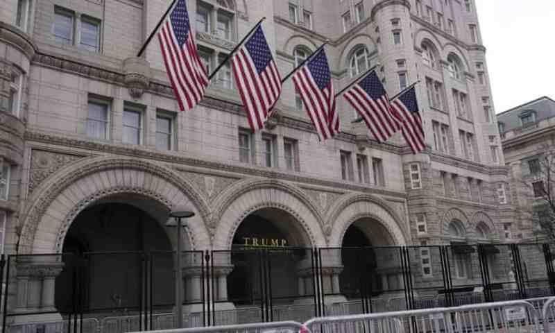 Trump ocultó pérdidas de 70 mdd en hotel en Washington DC durante su presidencia, revelan registros