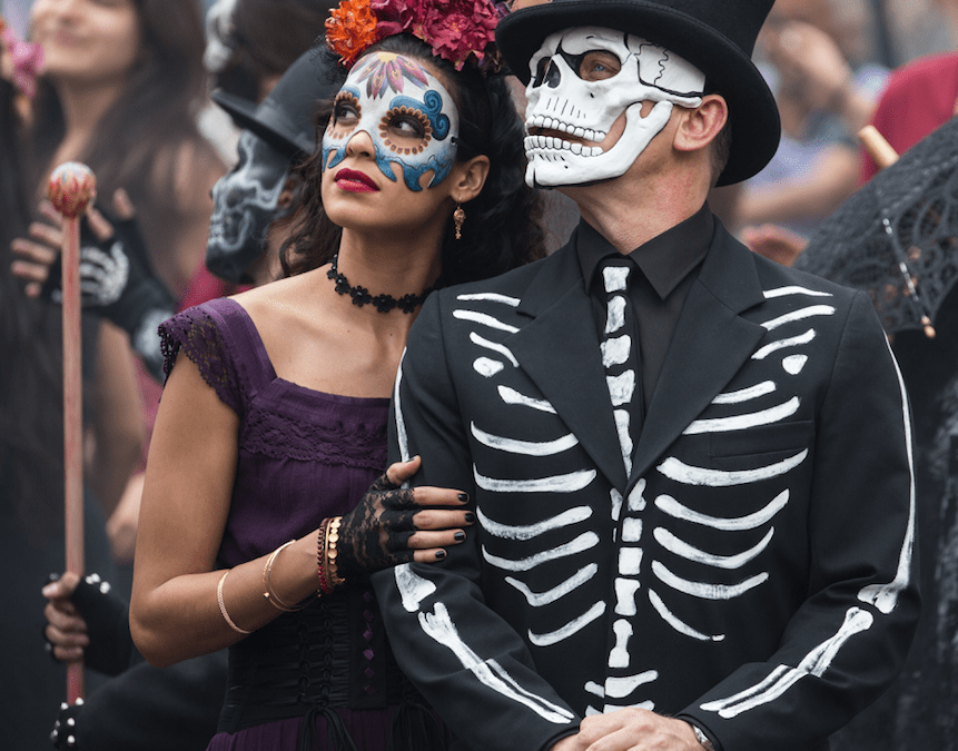 Dia De Los Muertos with James Bond and the First Mexican Bond Girl! + How to build your own altar! #SPECTRE