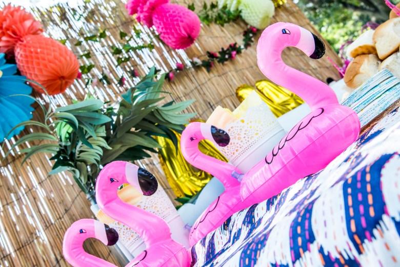 Luau Flamingos