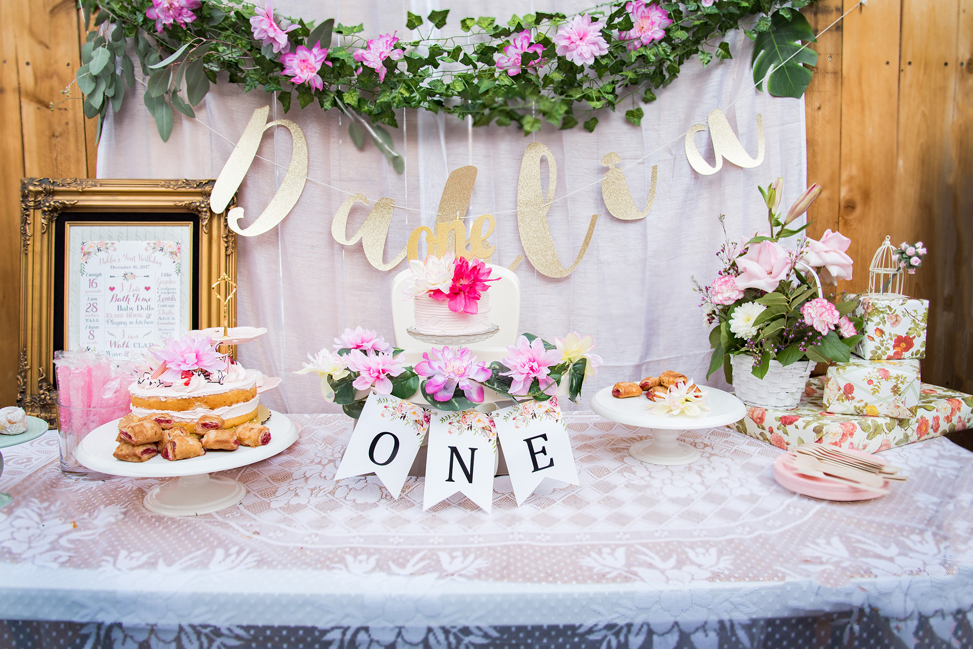 Dahlia\'s Floral First Birthday Party – A Los Angeles Mom Blog