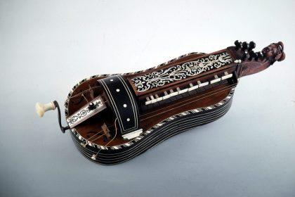 Vielle a roue Jen Nicolas Lambert 18eme Musee de la Musique Paris
