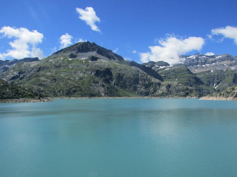 Le lac d'Emosson vue depuis le barrage
