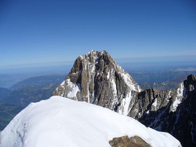 Le Schreckhorn, vue depuis le sommet du Lauteraarhorn