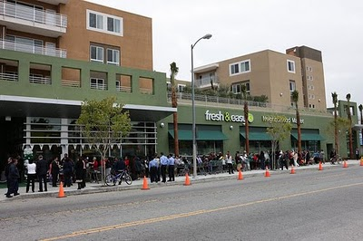 Fresh & Easy. Central & Adams.  Image via ##Fresh & Easy Buzz##http://freshneasybuzz.blogspot.com/2010/02/fresh-easy-store-opens-its-doors-in.html##