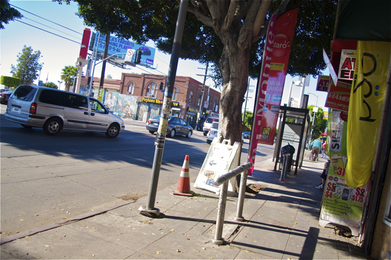 One of the bars for bus riders to lean against while waiting. Sahra Sulaiman/LA Streetsblog