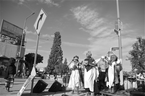 Women serenade the Plaza at 43rd Pl. in Leimert Park at a recent art walk. Sahra Sulaiman/Streetsblog L.A.