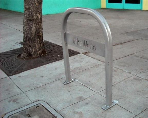 Bike rack on Santa Monica Blvd: Bike racks were installed in other parts of West Hollywood, but only one on La Brea. Thankfully, the Santa Monica & La Brea shopping center does have bike parking.