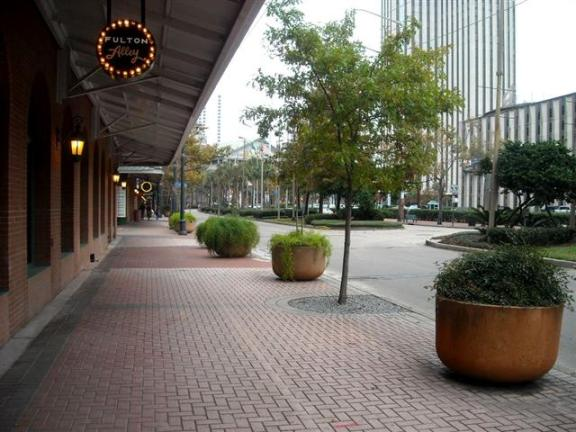Downtown New Orleans: Pedestrian-friendly sidewalks of New Orleans.