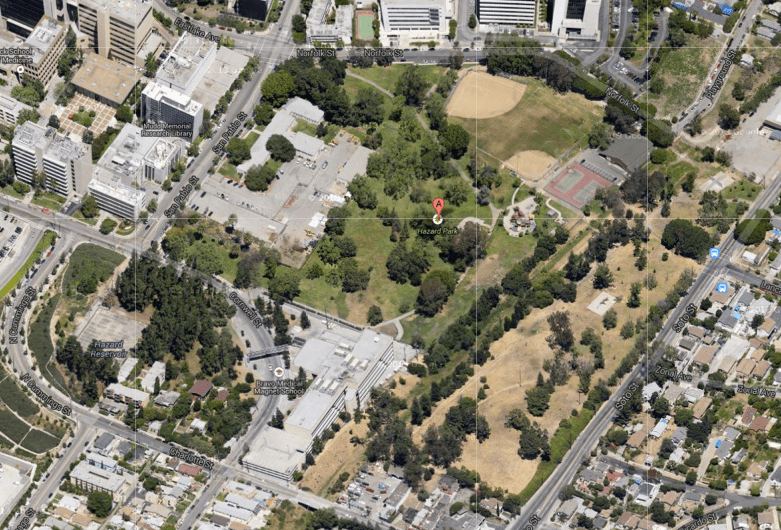 There are few access points to the park from Soto. (Google maps)