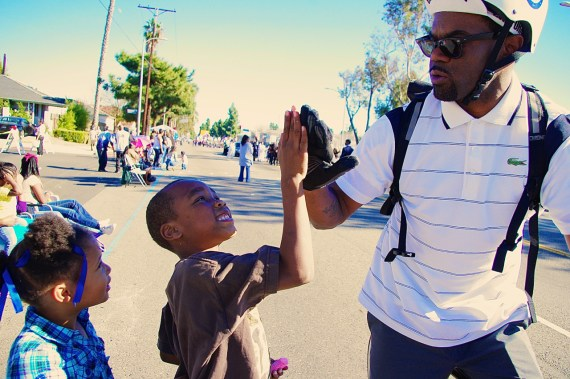 Jeremy Swift, one of the founders of Black Kids on Bikes, encourages kids to take up biking and listen to their mothers. Sahra Sulaiman/Streetsblog L.A.