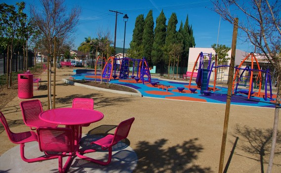 New children's play area open at Avalon and Gage. Sahra Sulaiman/Streetsblog L.A.