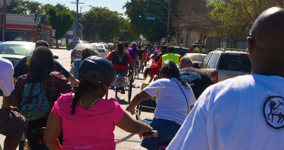Riders queue up at a stoplight. Sahra Sulaiman/Streetsblog L.A.