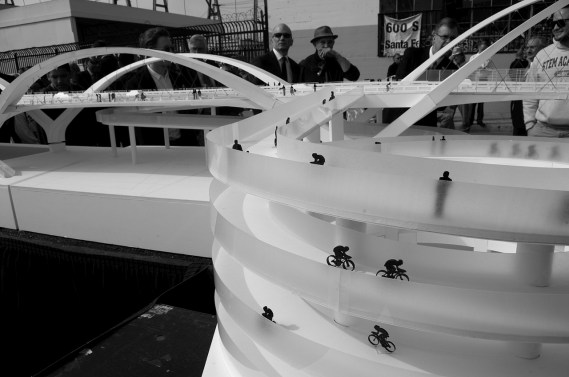 Cyclists spiral their way down to the riverbed from the model deck of the 6th Street Viaduct. Sahra Sulaiman/Streetsblog L.A.