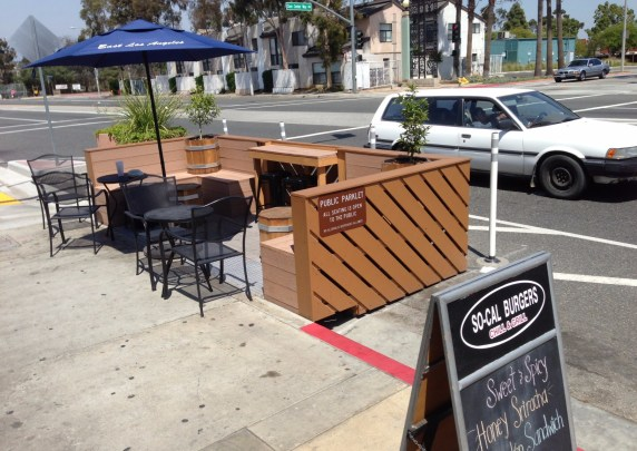 East Los Angeles Parklet on Mednik Avenue. Photos: Joe Linton/Streetsblog L.A.