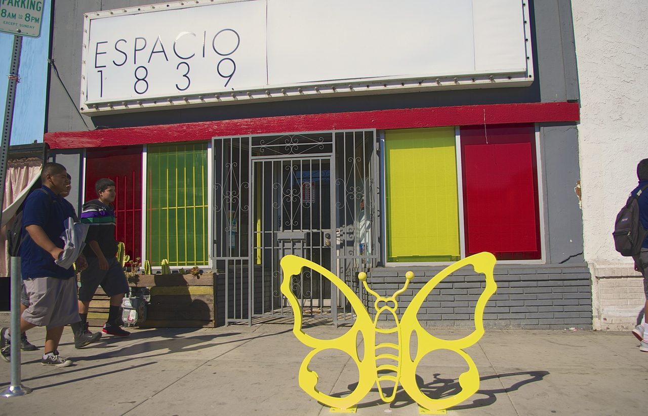 A large yellow butterfly stakes out space in front of Espacio 1839. Sahra Sulaiman/Streetsblog L.A.
