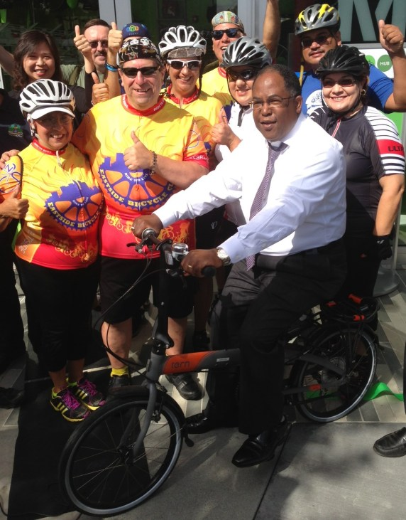 Supervisor/Chair Ridley Thomas poses with the Eastside Bike Club.