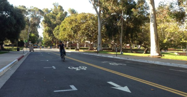 New counterflow bike lane on xxx on the UCLA campus. Photos by Joe Linton/Streetsblog L.A.