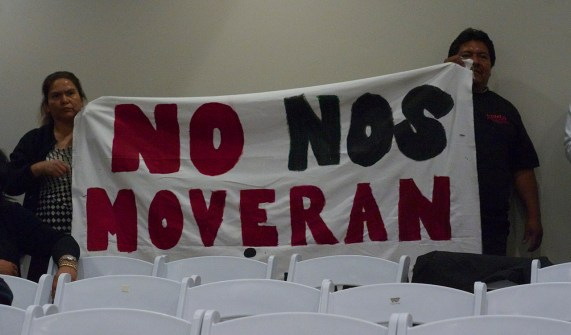 """No nos moverán"" translates as ""We will not move."" The slogan was one of several held up by members of the UNIDAD Coalition who were concerned about the project's potential for displacement. Sahra Sulaiman/Streetsblog L.A."