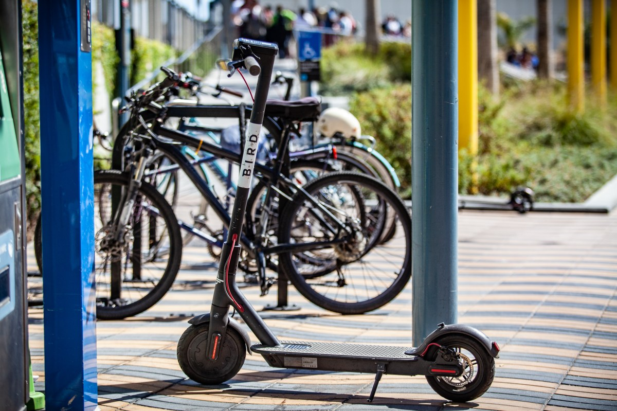 Santa Monica City Proposal Would Leave Dockless E-Bike and E-Scooter Operations in Hands of Ride Hail Giants