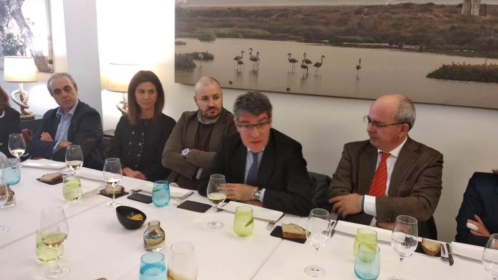 Encuentro de La 11Mil con el ex ministro Álvaro Nadal