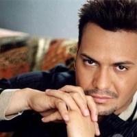 """Víctor Manuelle estrena """"Si tú me besas"""", primer sencillo de su nuevo álbum"""