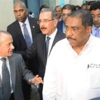 Danilo dispone remodelar el hospital Luis E. Aybar