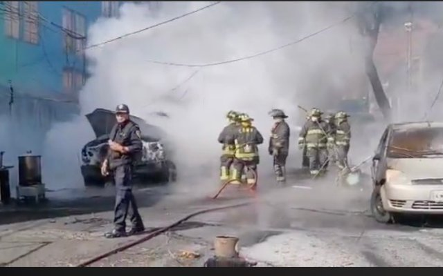 Se incendia pipa cerca del Mercado Jamaica; evacuan vecinos