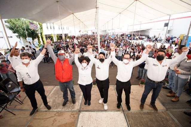 Anabell Ávalos toma protesta a «mega estructuras» territoriales. El triunfo esta cerca