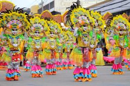 1422351333-dinagyang-festival-in-iloilo-city--philippines_6731972 (1)