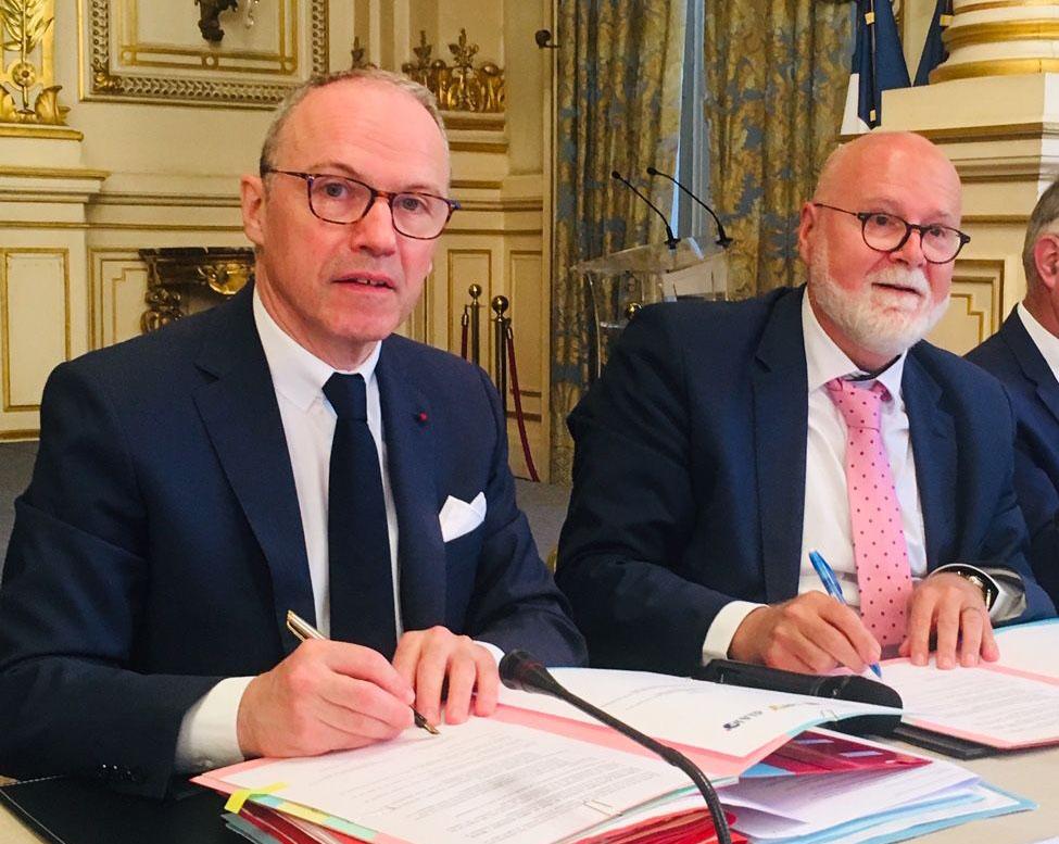 Pascal MAILHOS, préfet de région Auvergne-Rhône-Alpes, et Alain REGNIER, délégué interministériel à l'accueil et à l'intégration des réfugiés