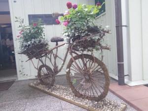 yokohama-yamate-seiyoukan-05-bicycle