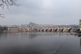 Le Pont Charles sous la brume